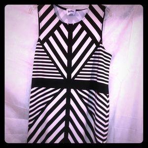 Leota Black and white pattern sleeveless dress